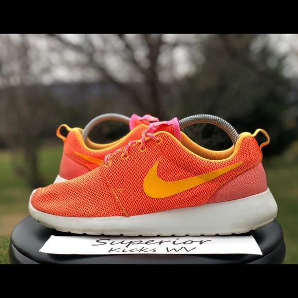 llegada arrepentirse Alojamiento  Nike Shoes | Nike Roshe Run Pink Glowatomic Mango | Poshmark